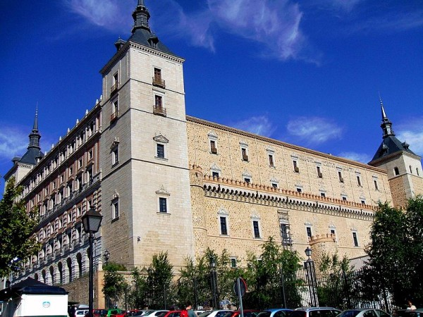 800px-Toledo_-_Alcazar